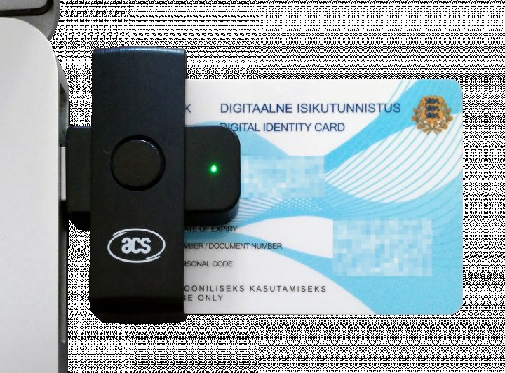 The Estonian e-residency card inserted in the included card reader